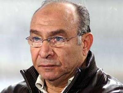"""""""ترابيزة الكرة"""" بالنادي تستقبل عباس بمطار القاهرة"""