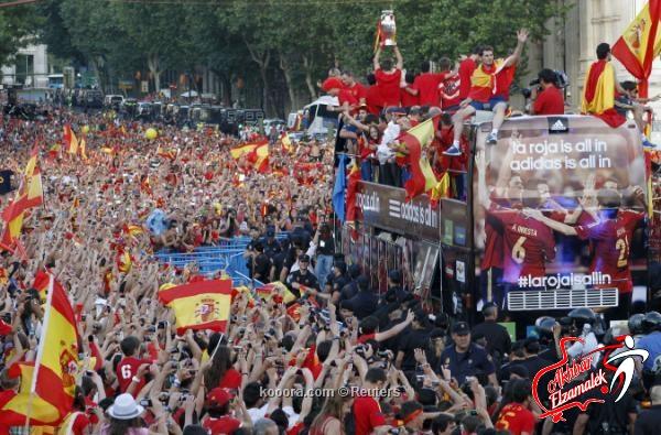 ملك إسبانيا يستقبل أبطال أوروبا في قصر ثارثويلا