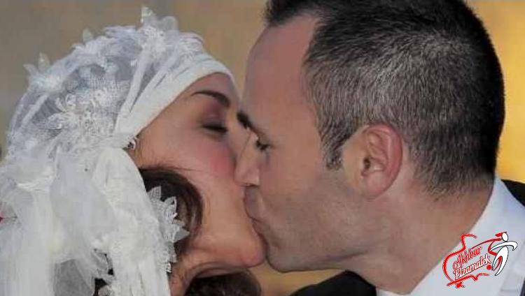 بالصورة .. إنيستا يدخل عش الزوجية