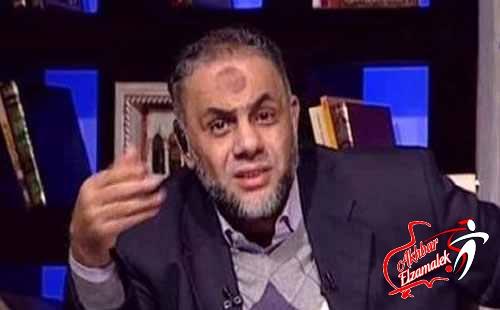 فيديو : الحسيني يستخدم الفاظ جنسية على الهواء للهجوم على الشيخ خالد عبد الله .. والمذيعة تبتسم