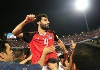 بالأرقام | محمد صلاح يكتسح ميسي ورنالدو في استفتاء الأفضل بدورى الأبطال