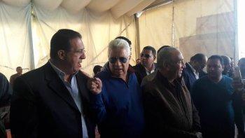 خاص | عمال الزمالك يطالبون مرتضى منصور بعدم التنحي في وقفة سليمة