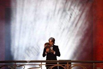 عاااجل بالصور   فرانس فوتبول تكشف مودريتش  الافضل فى العالم  ومركز مشرف لصلاح  ومبابى افضل لاعب شاب