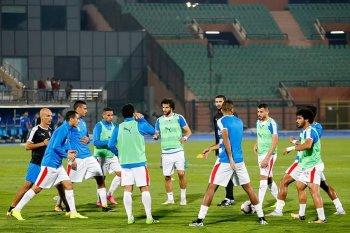 وصول لاعبي الزمالك والمصري لستاد برج العرب