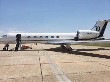 بالصور شاهد الطائرة الخاصة لميسى وتعرف على الرقم الذى دفعه النجم الأرجنتيني لشرائها