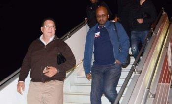 بالصور ...بعثة الزمالك  تصل   إلى  الجزائر  .... وجمعة الغضب تحاصر  الابيض