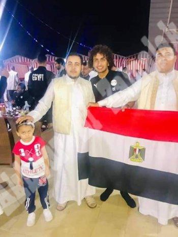 بالصور ..عزومة المنتخب الوطني فى مطعم بدوى ببرج العرب