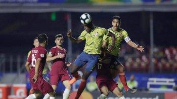 بالصور ...كولومبيا تسرق الفوز من قطر فى الوقت القاتل