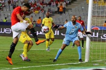 عااااجل مباراة مصر وزيمبابوى على هذه القناة المجانية  بدون تشفير  بشرة خير