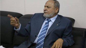 """طه إسماعيل المدرب الأجنبي افضل للاهلى """" يشرب كاسين وينسى """""""