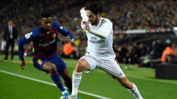 نتيجة صادمة فى نهاية الشوط الاول بين برشلونة وريال مدريد ونشوب اشتباكات