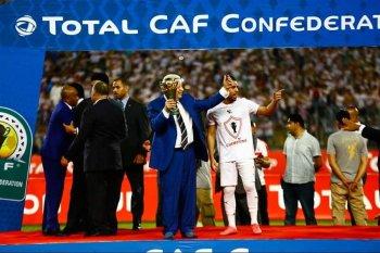 صفحة الكاف تقدم هدية لجماهير الزمالك بعد الفوز بكأس الكونفدرالية والسوبر الإفريقي