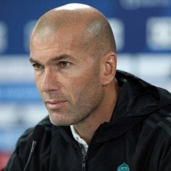 ريال مدريد يضع زيدان في ورطة