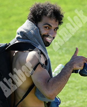 تعرف على هدية فرانس فوتبول لمحمد صلاح ونيولوك بعد العودة إلى تدريبات ليفربول