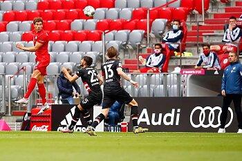 بايرن ميونخ يكتسح دوسلدروف وسقوط جديد لشالكه .. وفرانكفورت يفوز  بالدوري الألماني