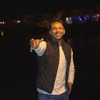 محمد فاروق يكشف بالأسماء مهاجم برازيلي معروض على الزمالك ورحيل 4 لاعبين