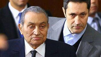 علاء مبارك يقصف جبهة الأهلي ويصدم الجماهير بتصريح قاتل