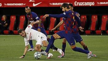 إشبيلية ضد برشلونة .. كواليس سقوط ميسي ورفاقه في فخ التعادل .. ومنح الريال هدية ذهبية