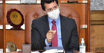 بعد قرارات الحكومة الجديدة .. وزير الرياضة يتحدث عن إجراءات عودة النشاط .. وأول صدام بسبب دوري اليد