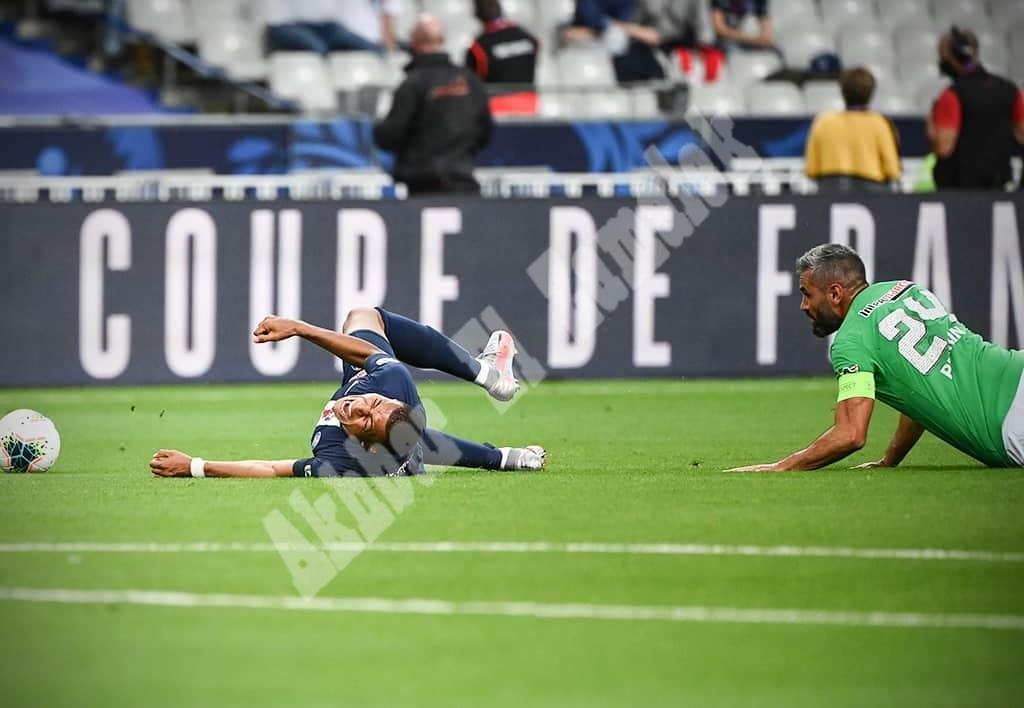 بالصور ..نيمار يقود باريس سان جيرمان لكأس فرنسا بعد معركة عنيفة ..ظهور دموع  امبابي بالعكاز