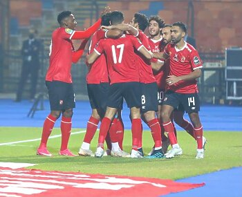 أول استقالة داخل النادي الأهلي رغم التتويج بلقب إفريقيا .. وحسام حسن يتحدى موسيماني