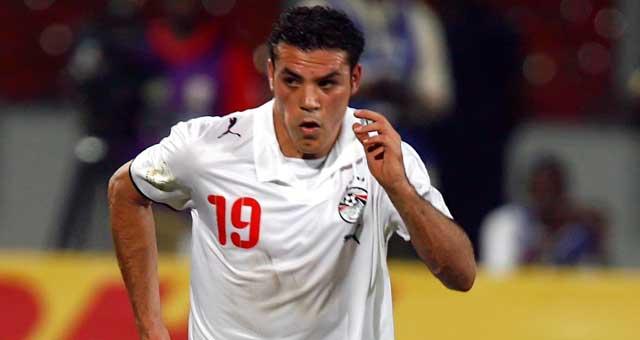 الفيفا يمتدح لاعب الزمالك عمرو زكى .. ويضعه ضمن قائمة عظماء الكرة