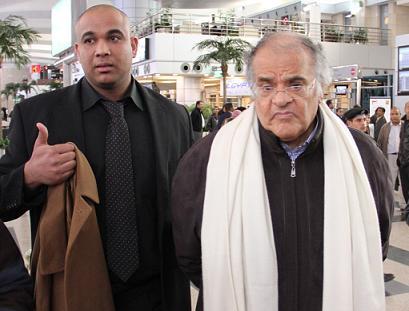 عاجل .. مفاجأة كبرى : غياب تام من جماهير الوايت نايتس فى استقبال عباس بالمطار