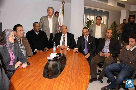 """""""عباس"""" يطلب من """"جورج"""" التواجد في اجتماع الإدارة مع الجهاز الفني"""