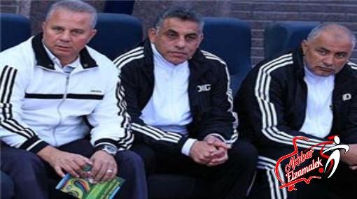 فيديو.. غريب بتهكم شديد : عباس كان ناقص يلعب بنالتى الاهلى بنفسه .. والحكم دبحنا