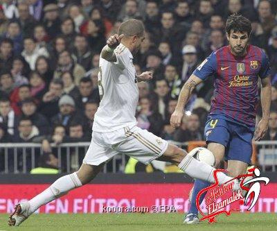 """روني يصف بيبي مدافع ريال مدريد بأنه """" أحمق"""""""