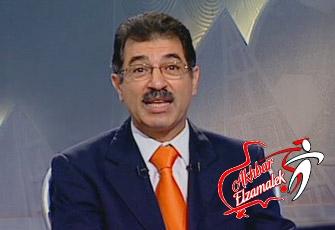 فيديو .. مشجع زملكاوى يغسل علاء صادق على الهواء بأبيات شعر