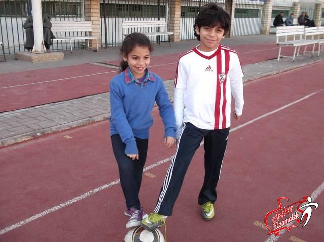 شاهد بالصور الحصرية .. مباراة حماسية بين حسن وهنا حفيدى المعلم فى مران الزمالك