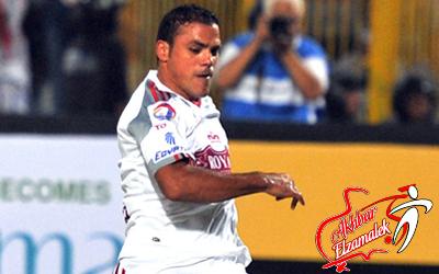 خاص.. عمرو زكي يعتزل كرة القدم في مصر إذا استمرت الأوضاع على ما هي عليه