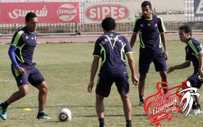خاص .. شحاتة يواصل تدريب اللاعبين علي التمرير في مساحات ضيقة والتسديد من خارج المنطقة