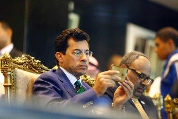 وزير الشباب والرياضة يستعين باللجنة الاولمبية لحل أزمة الزمالك