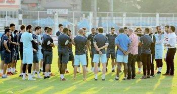 الأهرام: الزمالك فى المغرب اليوم .. جروس يطالب لاعبيه بالنسيان .. وتعديل عقد كهربا