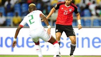 فيديو   هدف وركلة جزاء ضائعة في مباراة مصر والنيجر