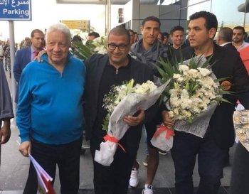 بالصورة ... مرتضى منصور يستقبل بعثة نهضة بركان فى مطار القاهرة