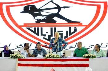 بالصور ..مرتضى منصور يكشف عن 3 مفاجآت لجماهير وأعضاء الزمالك وهدية الفريق