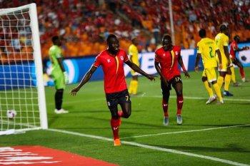 بالصور ...المحاربون يدمرون اوناش اوغندا