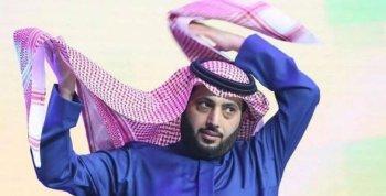 بالصورة تركي آل الشيخ يقصف جبهة الخطيب من جديد: اهرب وقول عندى شد عضلى فى صباع رجلى