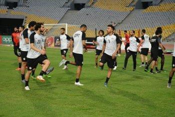 بث مباشر | مفاجأة مدوية في تشكيل منتخب مصر أمام كينيا