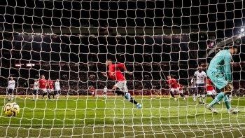 بالصور والفيديو.. ليفربول يكتسح إيفرتون وفوز البلوز والثعالب واول سقوط لمورينيو