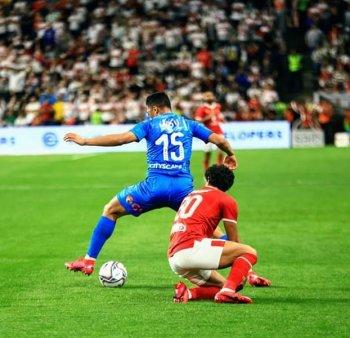 مباشر .بالصور  . ساسى يطلب ضربة جزاء فى لقاء  الزمالك أمام الأهلي فى كأس السوبر المصري بالإمارات