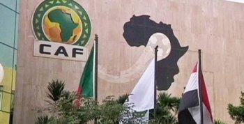 الكاف يعلق لقاءات تصفيات كأس الأمم الإفريقية لحين إشعار آخر