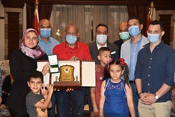 صور .. تعرف على هدية نادي الصيد لاسرة الشهيد أحمد المنسي