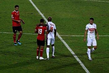 لاعب الأهلي يستفز جماهير ناديه قبل مواجهة المريخ .. وبيراميدز يتجه لطرد أحمد فتحي